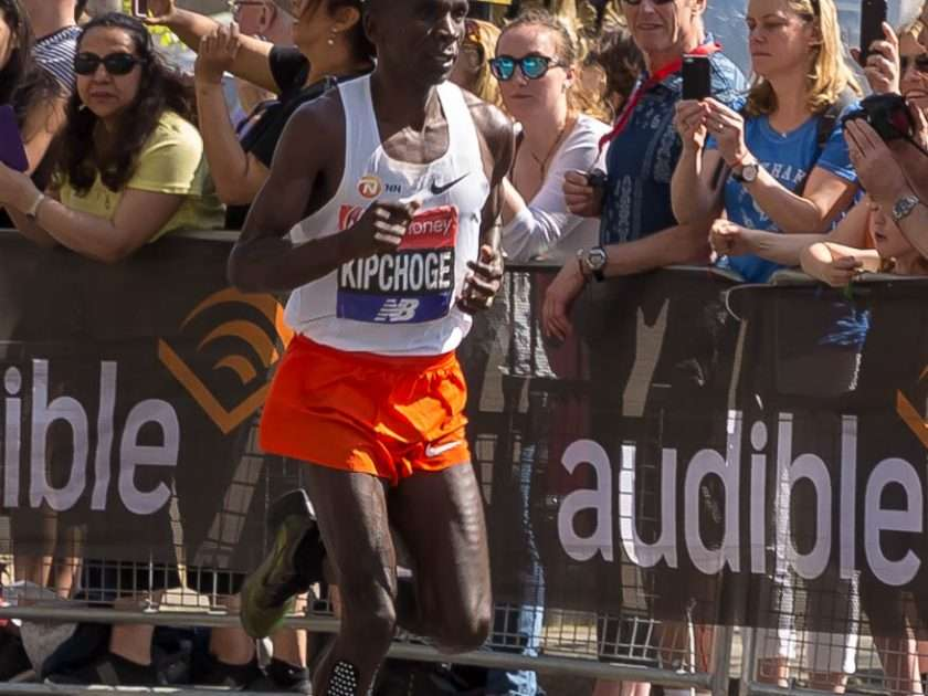 Eliud Kipchoge running London Marathon 2018