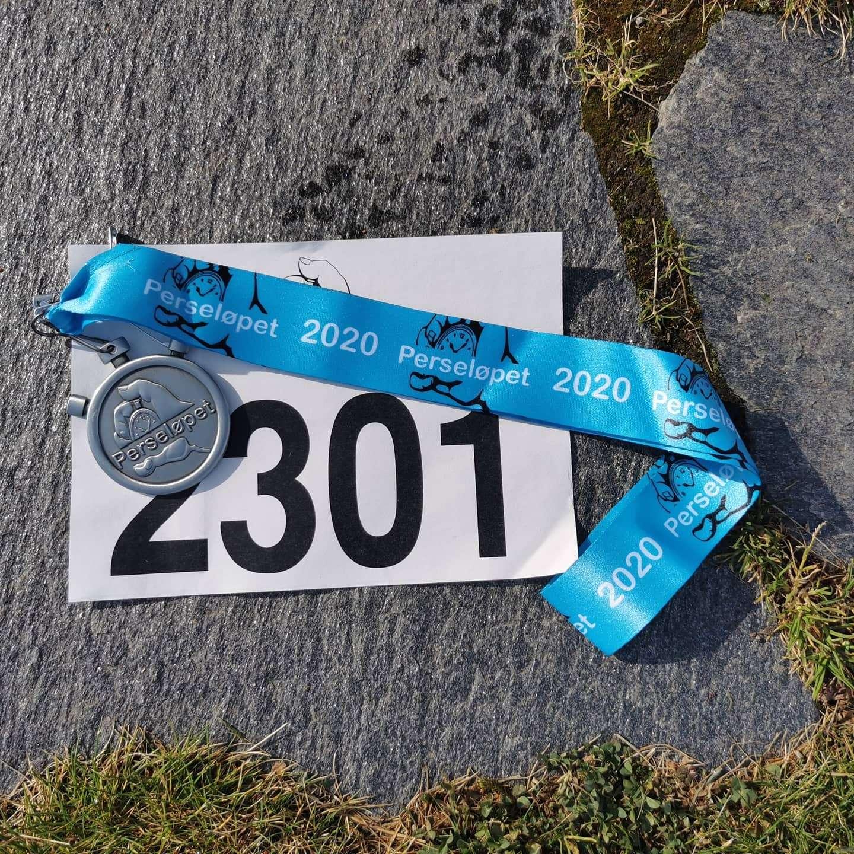 Perseløpet marathon start number and finisher medal