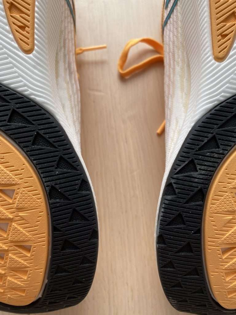 Colour coded NDURANCE outsole on Rebel v2